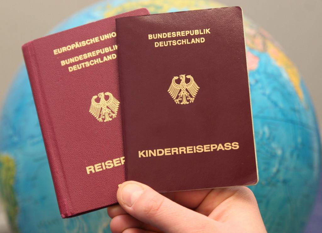 Kindereintrag im elterlichen Reisepass verliert Gültigkeit