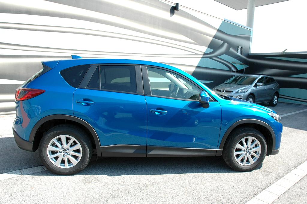 Mazda CX-5: So sieht das kompakte SUV-Modell der Japaner von der Seite aus.