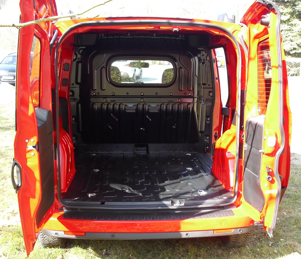 Opel Combo: Der Kastenwagen ist Euro-Paletten-tauglich.