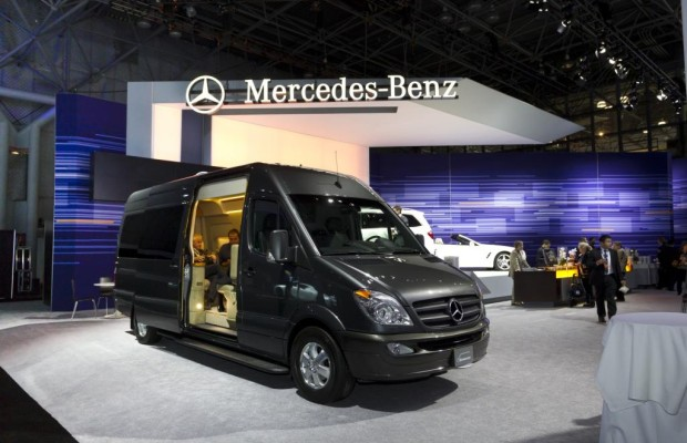 """Panorama: Mercedes Sprinter """"Jet Van"""" - Privatflieger auf Rädern"""