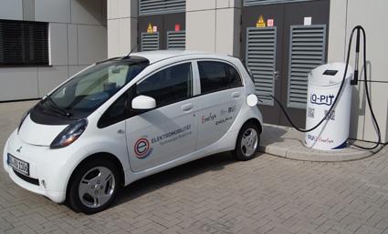 RUB-Forscher entwickeln Schnellladesäule für Elektroautos