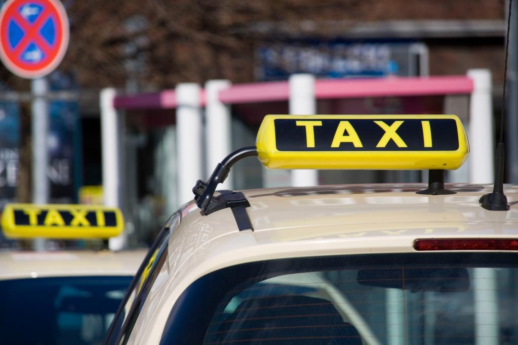 Rechte und Pflichten von Taxifahrern und ihren Fahrgästen