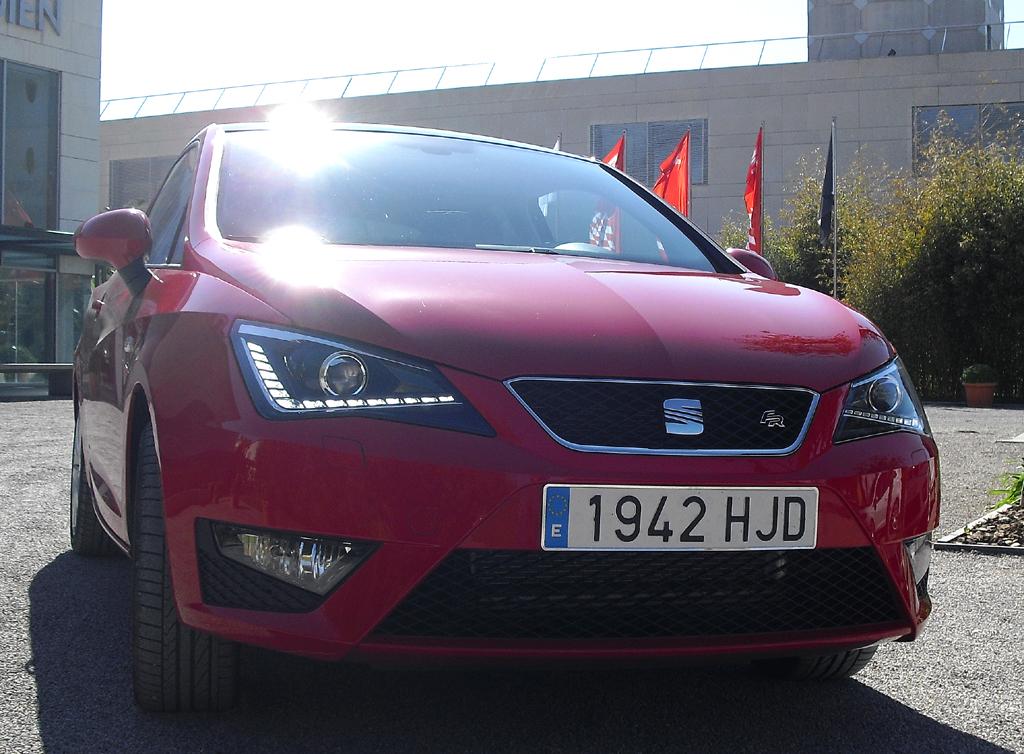 Seat Ibiza: Blick auf die Frontpartie der schnittigeren Variante.