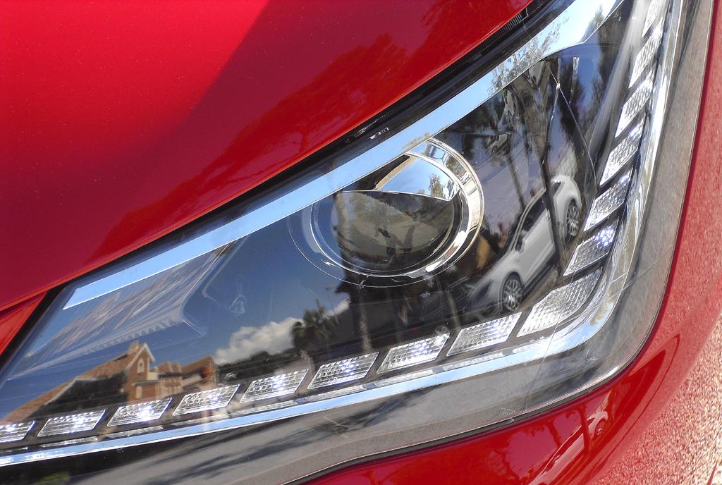 Seat Ibiza: Die Leuchteinheit vorn ist horizontal ausgerichtet.
