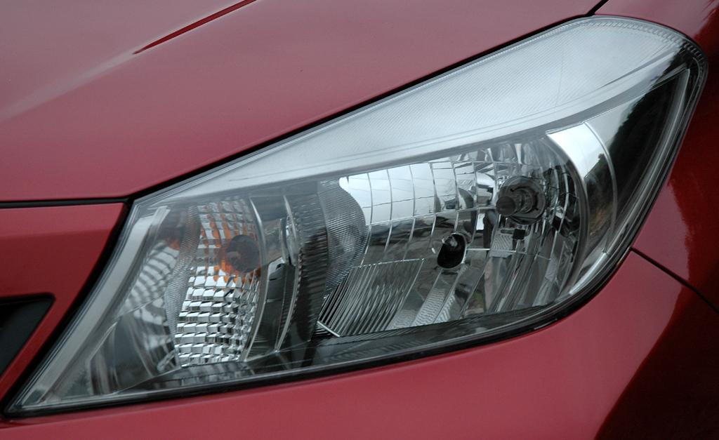 Toyota Yaris: Moderne Leuchteinheit vorn.