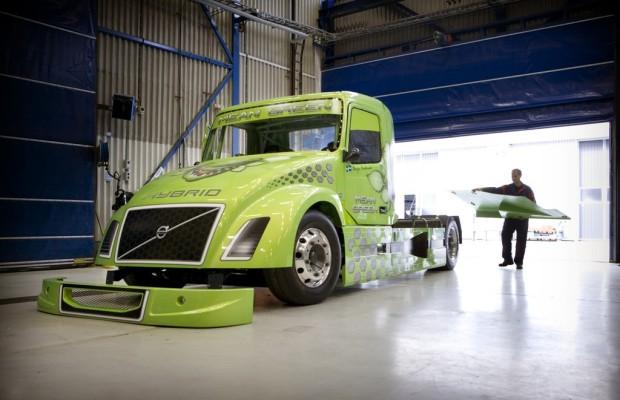 Volvo peilt mit Hybrid-Lkw neuen Geschwindigkeitsrekord an
