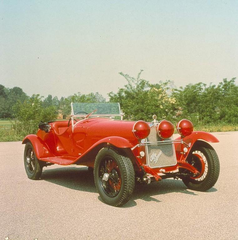 Alfa Romeo mit vier Fahrzeugen bei der Mille Miglia