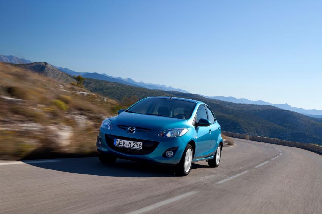 Auch nach fünf Jahren Bauzeit gehört der Mazda2 noch zu den gefälligsten Kleinwagen