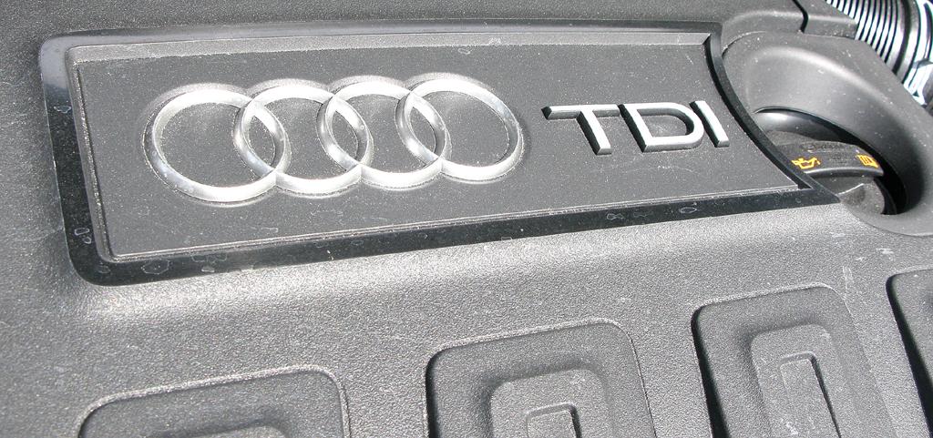 Audi A1: Blick unter die Haube auf den 1,6-Liter-Basisselbstzünder.