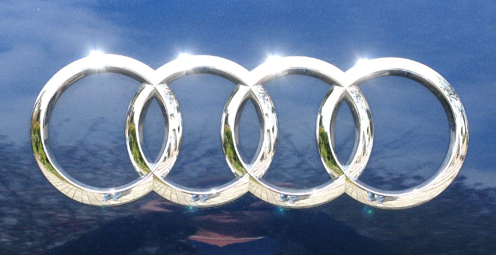 Audi A1: Die vier Markenringe sitzen hinten auf der Heckklappe.