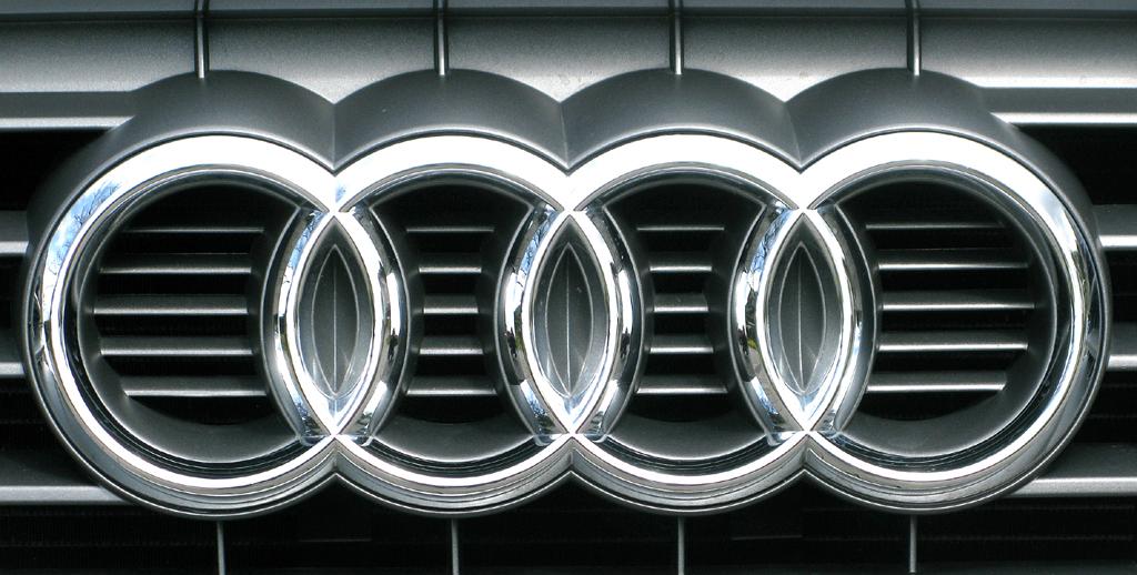 Audi A1: Die vier Markenringe sitzen vorn im oberen Teil des Singleframe-Kühlergrills.