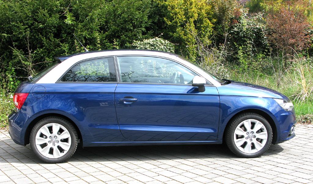 Audi A1: Und so sieht der Dreitürer mit dem auffälligen Dachbogen von der Seite aus.