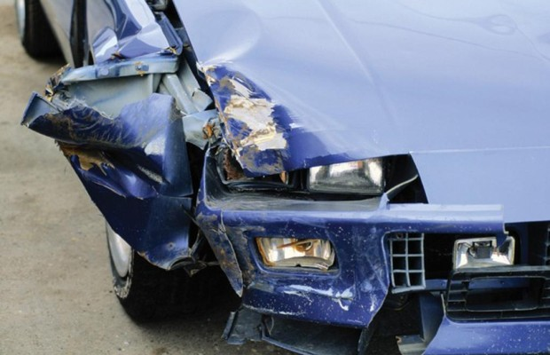 Autounfall: Versicherungsdaten per Smartphone abfragen