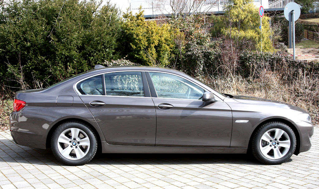 BMW 520d EfficientDynamics: Und so sieht die Limousine von der Seite aus