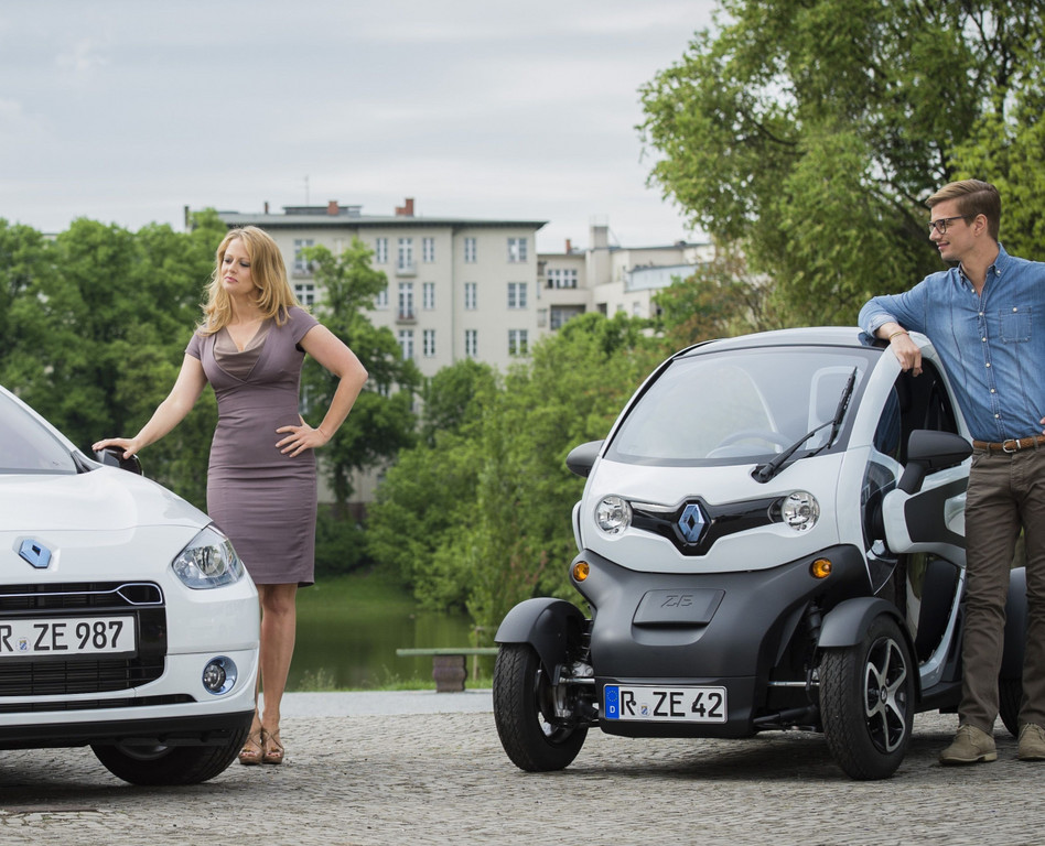 Barbara Schöneberger und Joko Winterscheidt stehen für Renault Z.E.