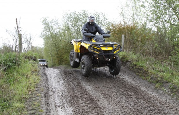 Can-Am Fam-Trip: Test Outlander 1000 XT & Commander 1000 Limited – Fliegen geht auch