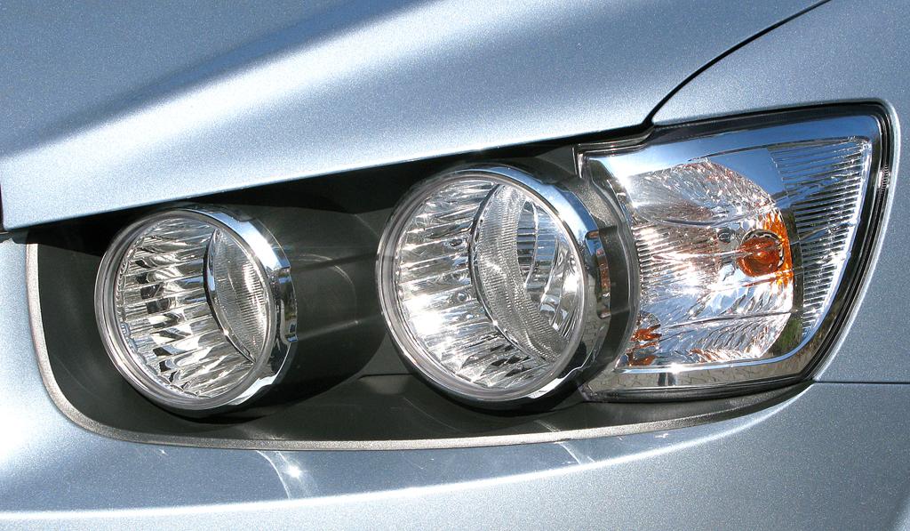 Chevrolet Aveo: Moderne Rundleuchteneinheit vorn.