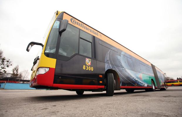 Continental unterstützt Fußball-EM mit Reifen und Fan-Bussen