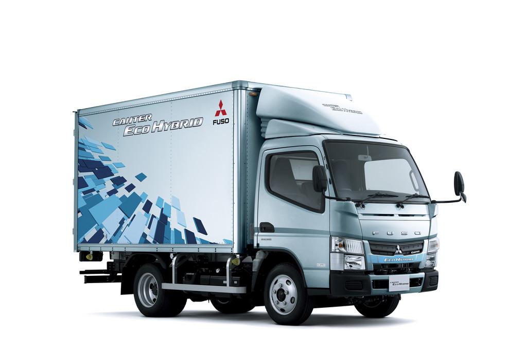 Daimler startet Verkauf des Fuso Canter Eco Hybrid in Japan