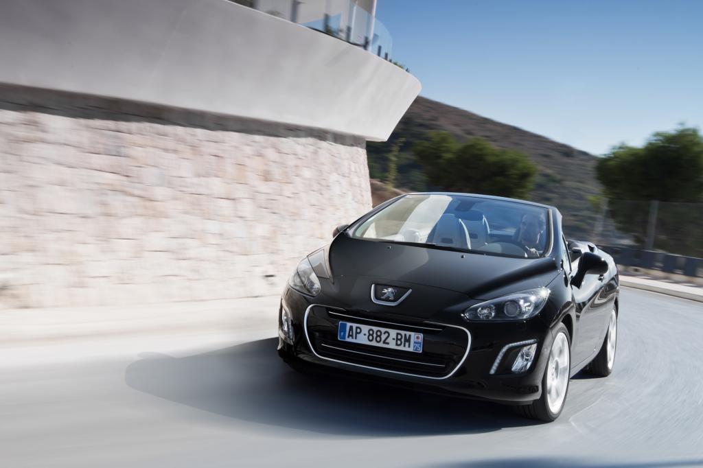 Der Peugeot 308 CC ist dank Stahldachs wetterfest