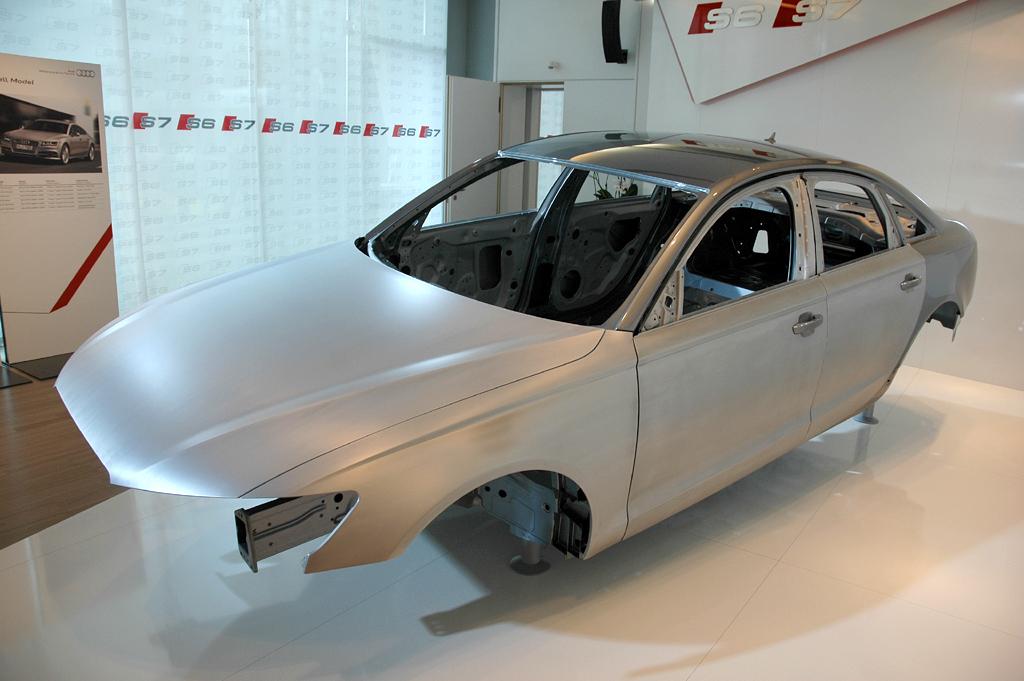 Die Karosserie besteht bei den drei neuen S-Modellen zu etwa 20 Prozent aus Aluminium.