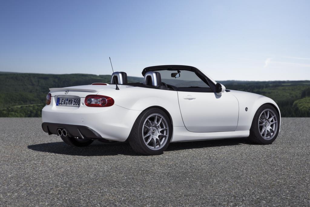 Die Leistung wurde von 118 kW/160 PS mit Hilfe eines Kompressor-Kits auf 176 kW/240 PS deutlich gesteigert