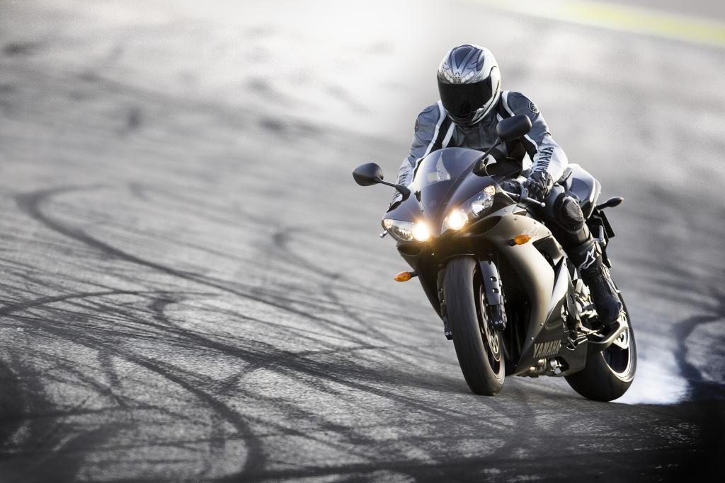 Fahrbericht Yamaha YZF-R1: Sportler mit Frischzellenkur