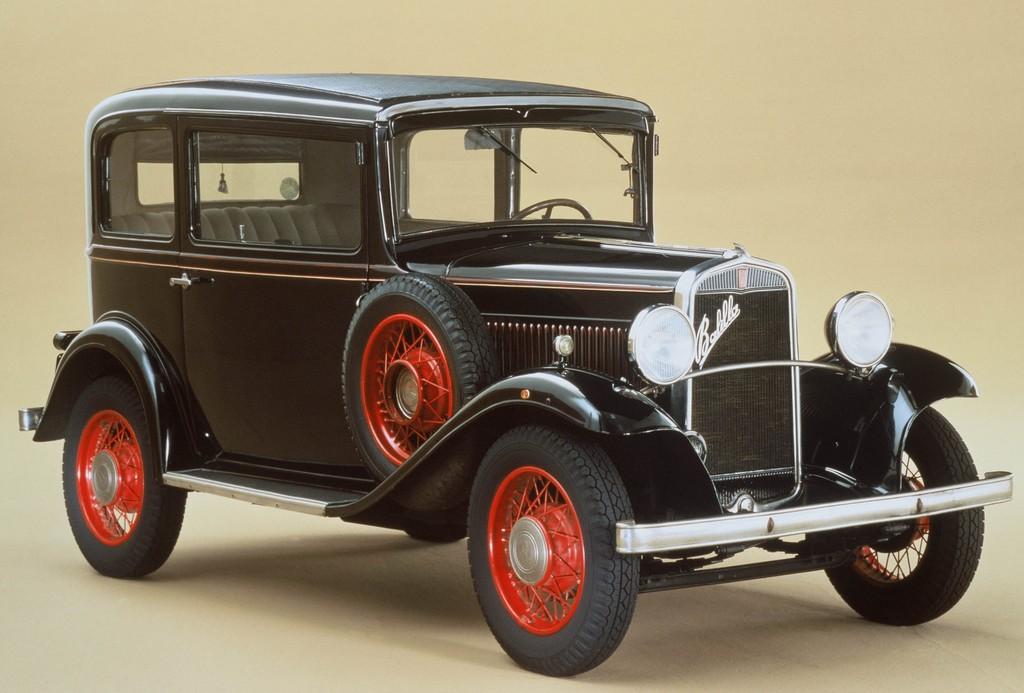 Historische Fiat auf Geburtstagsfahrt