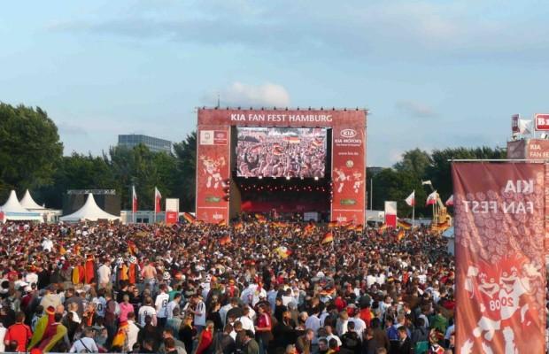 Kia veranstaltet Fan-Fest zur EURO 2012