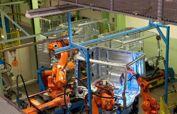 Kollege Roboter baut mehr Autos