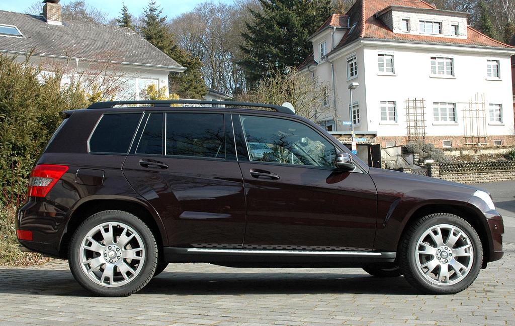 Mercedes GLK: So sieht das Kompakt-SUV-Modell in der vorigen Auflage von der Seite aus ...