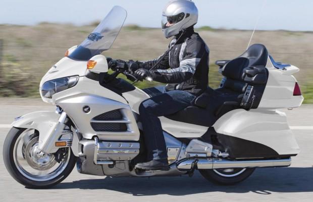 Motorradmarkt - Ab 40 ist Geld für das Motorrad übrig