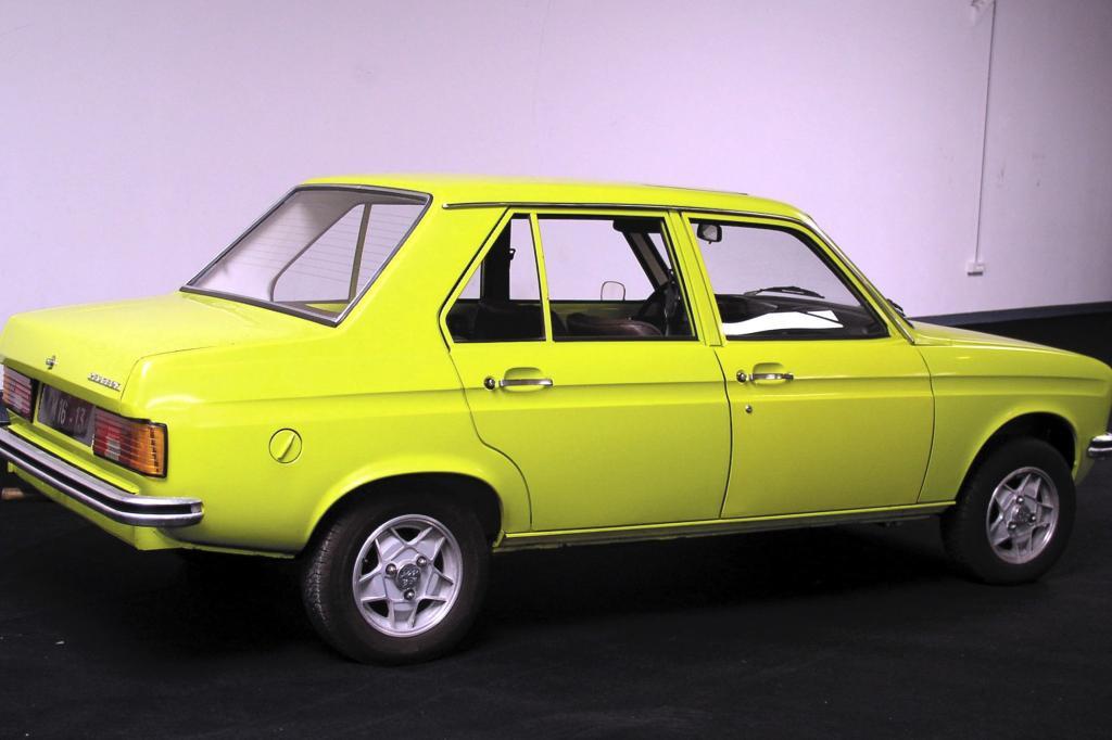 Peugeot 104 Stufenheck 1975