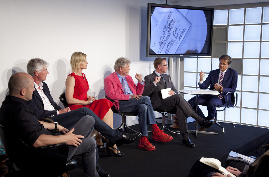 Rat für Formgebung diskutiert Design des Porsche 911