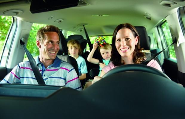 Reisen mit Kindern: Pausen vermindern Stress