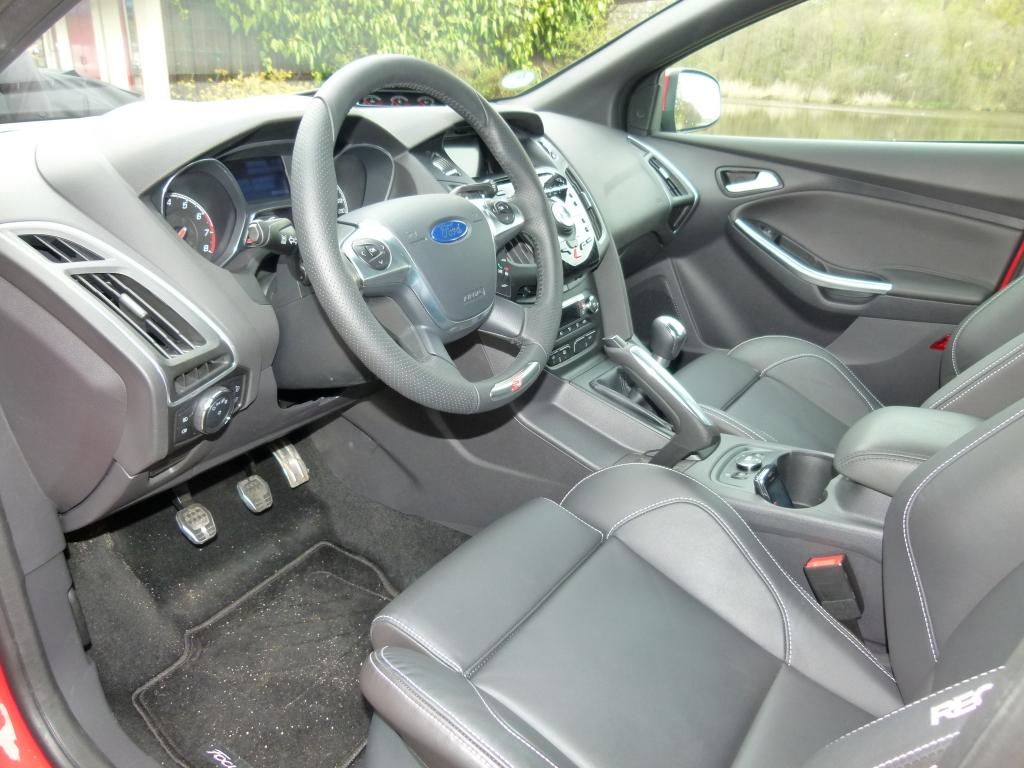 Sitzprobe im Ford Focus ST - Familienausflug mit 250 PS