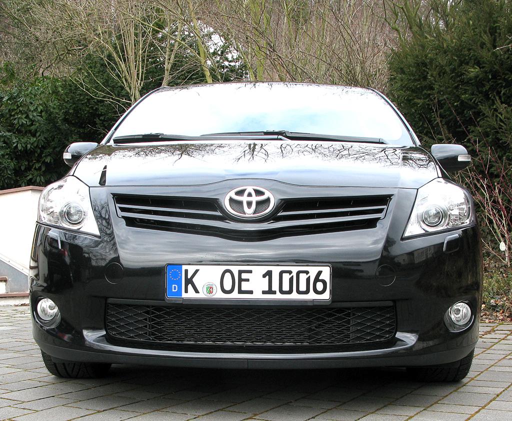 Toyota Auris: Blick auf die Frontpartie des Kompaktmodells.