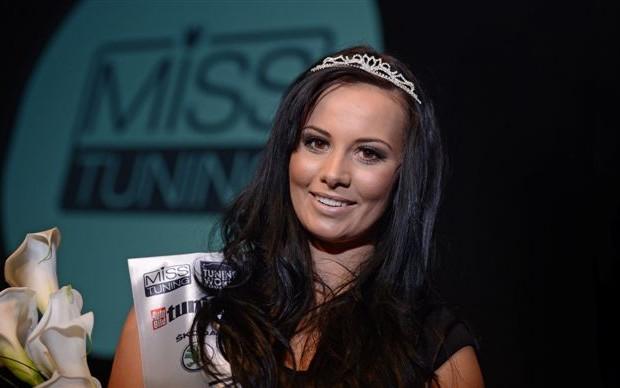 Tuning World Bodensee kürt Frizzi Arnold zur Miss Tuning 2012