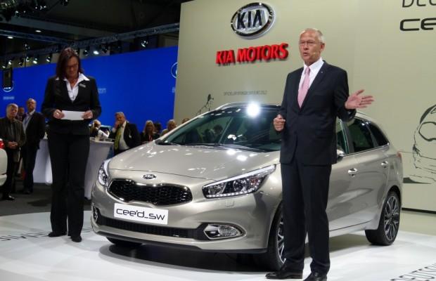 AMI 2012: Dacia Lodgy, Dacia Sandero Stepway II, Kia Ceed'd sw, Renault Zoe, Lada
