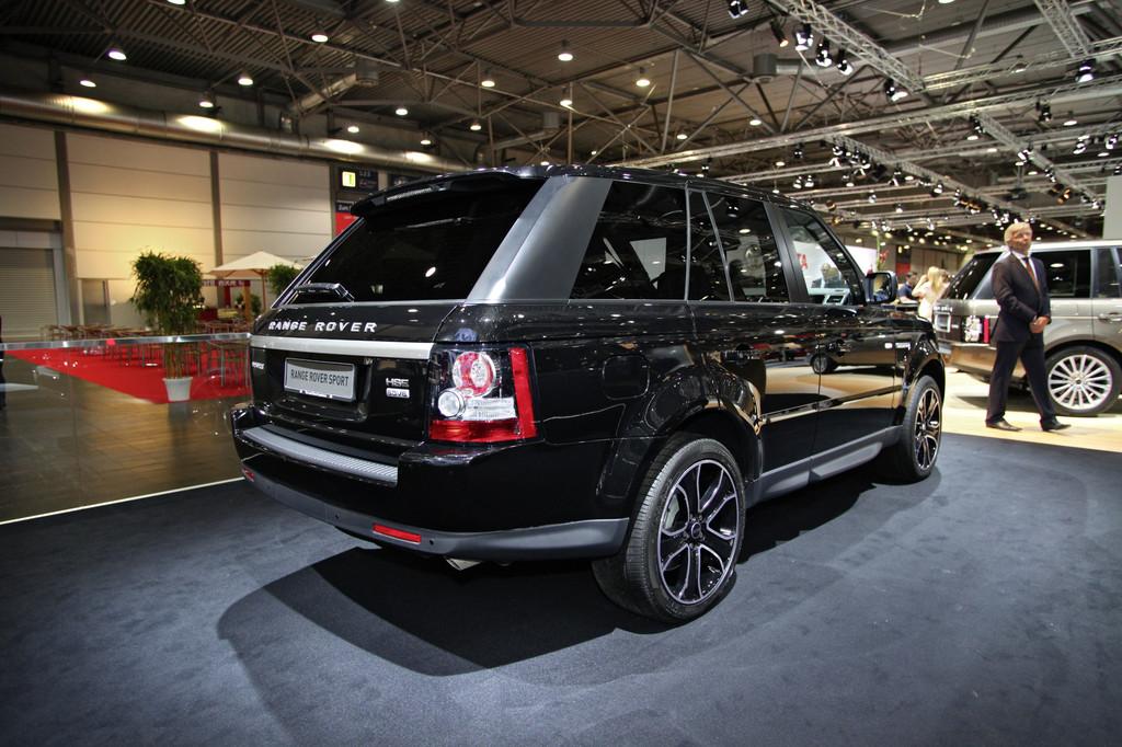 AMI 2012: Zwei besondere Range Rover zur Thronfeier