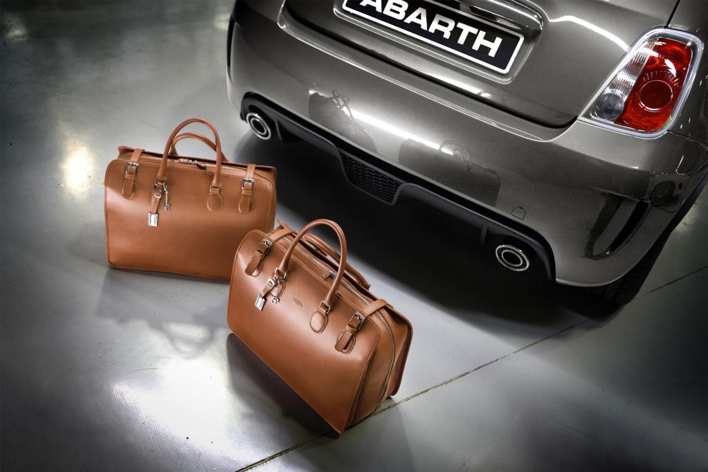 Abarth in Mode: Edle Taschen aus Kalbsleder