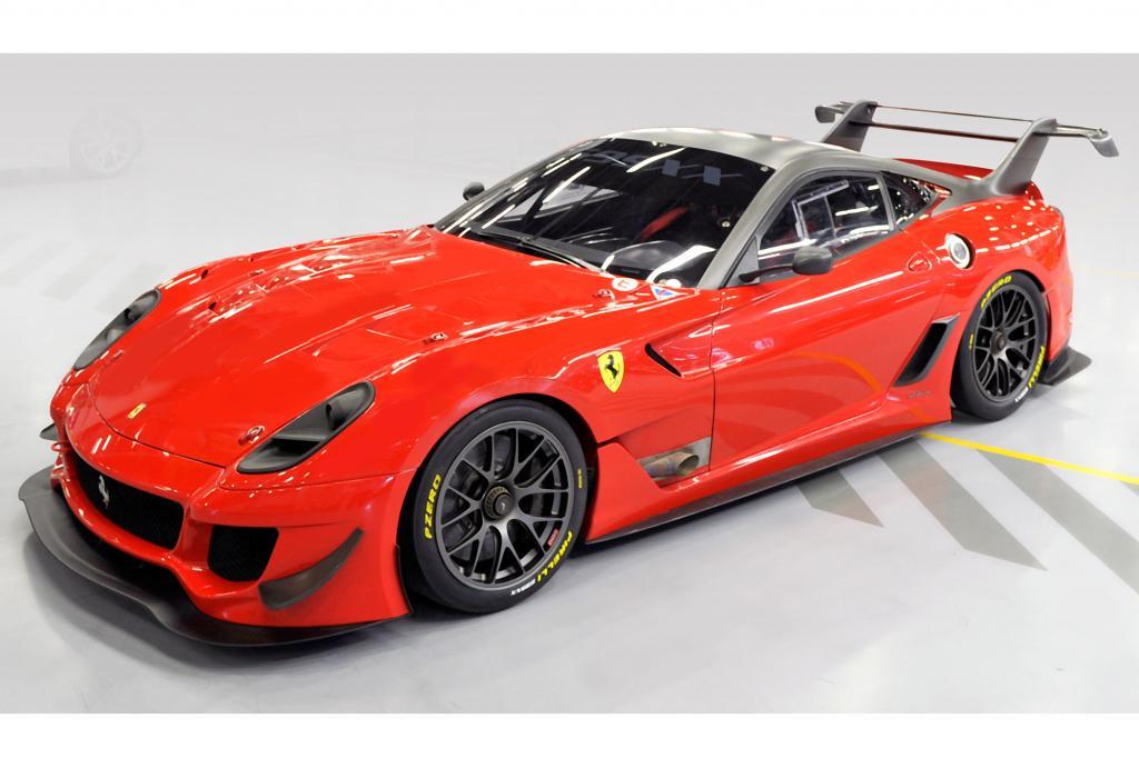 Absolutes Highlight im Online-Shop des guten Gewissens ist eine Weiterentwicklung des Ferrari 599XX für den Kundensport