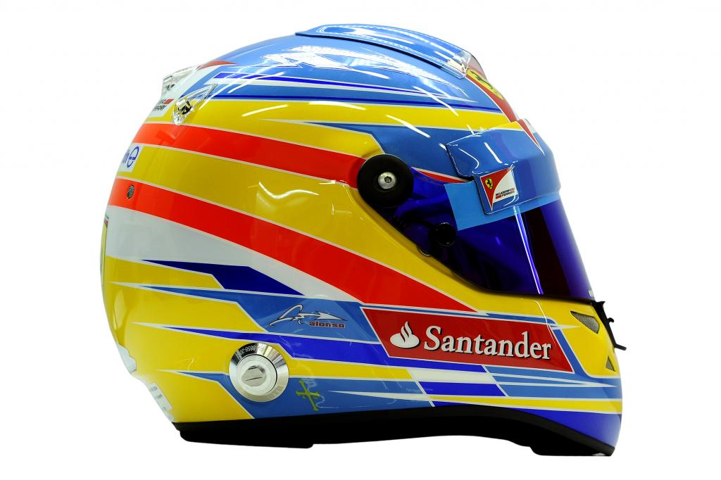 Auch der Helm von Fernando Alonso steht  zum Verkauf