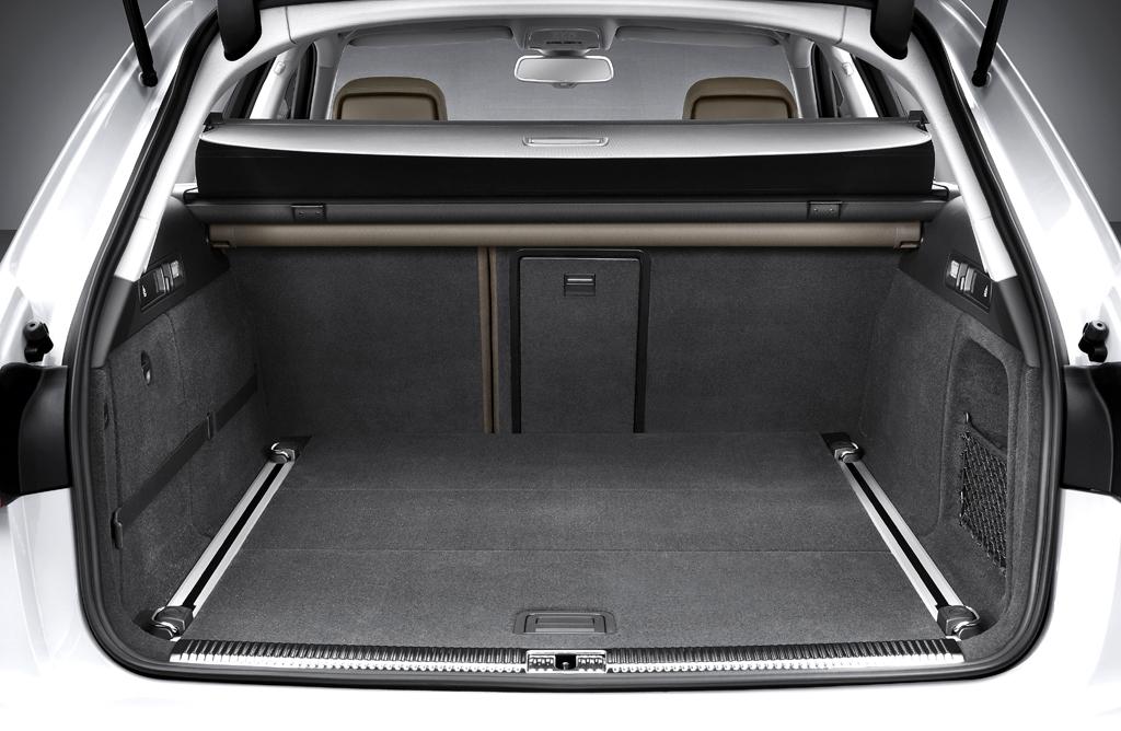 Audi A6 Allroad Quattro: Ins Gepäckabteil passen 556 bis 1680 Liter hinein.