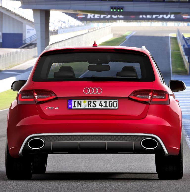 Audi RS4 Avant: Blick auf die Heckpartie.