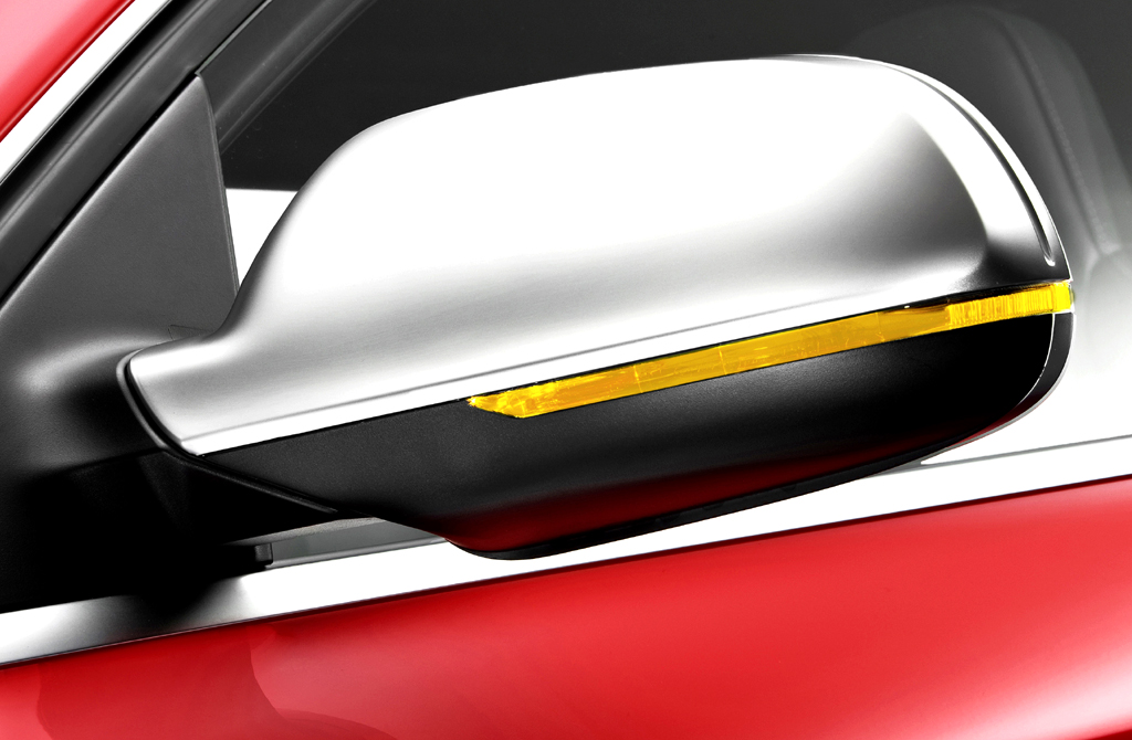 Audi RS4 Avant: In die Außenspiegel sind Blinkleisten integriert.