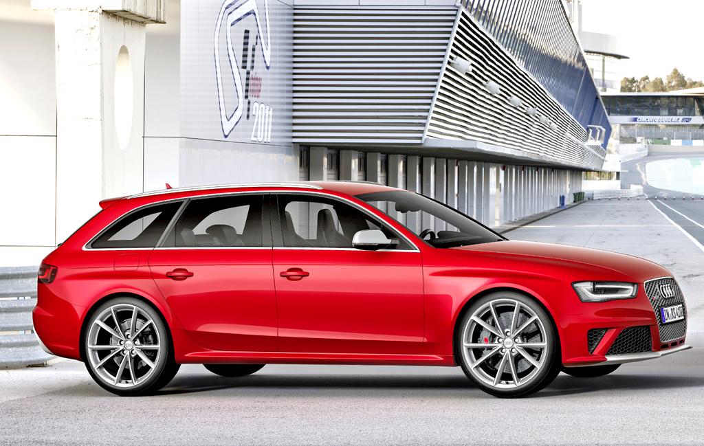 Audi RS4 Avant: Und so sieht der kompakte Über-Kombi von der Seite aus.