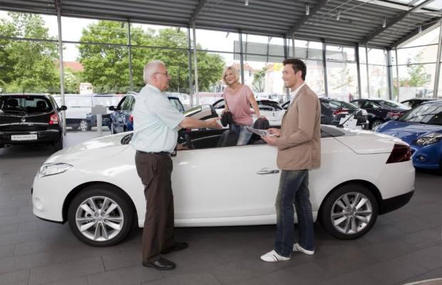 Autohäuser: Starker Trend zu großen Händlergruppen