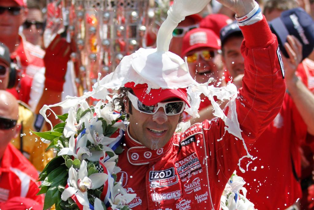 Der Sieger Franchetti wurde mit Milch übergossen