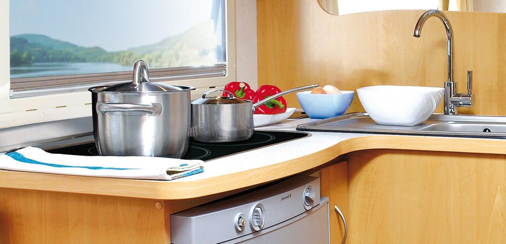 Dometic bringt sparsames Glaskeramik-Kochfeld für die Reise